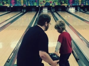 5 Reasons you Should go Bowling for Family Activity Night