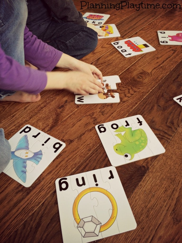 Fun Educational Puzzles for kids - Spelling Early Words