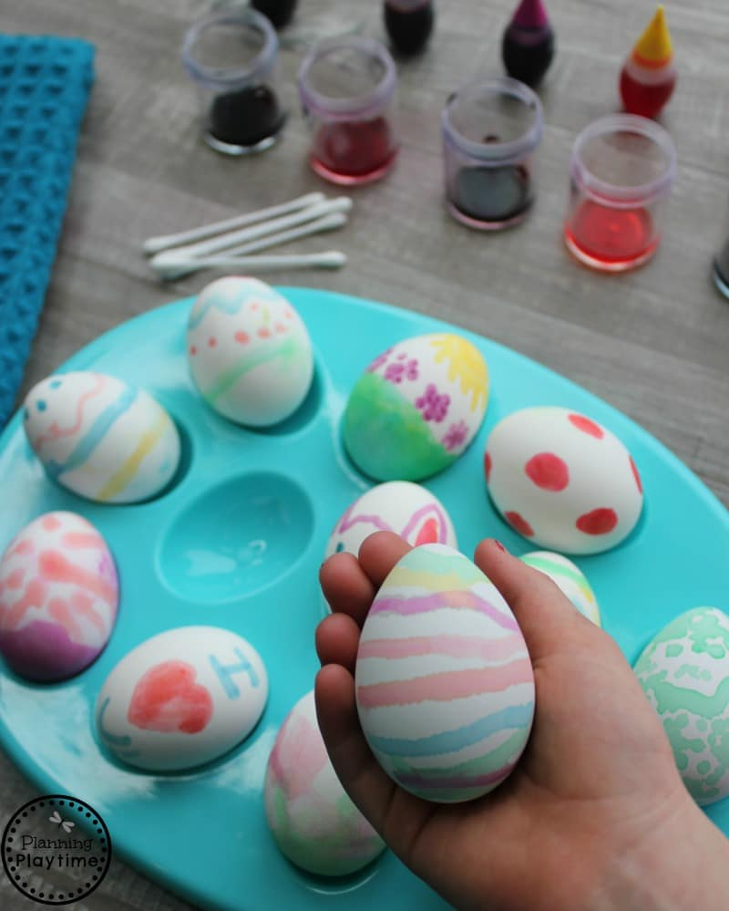 Painted easter eggs for kids 2 ingredient dye paint and q tips easter
