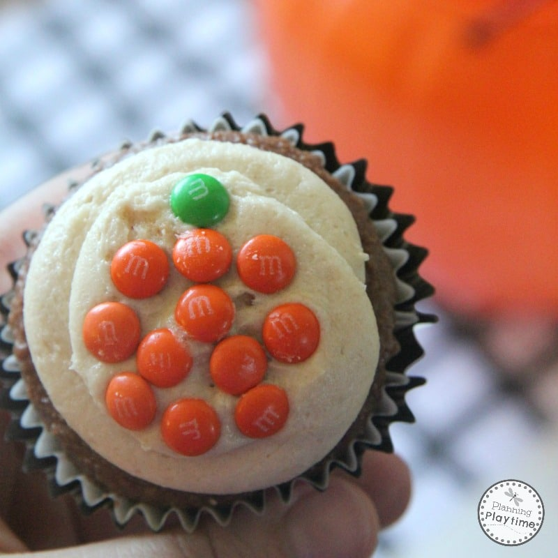 Cute Halloween Pumpkin Cupcakes for kids.
