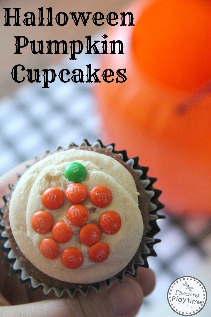 Easy Halloween Pumpkin Cupcakes for Kids.