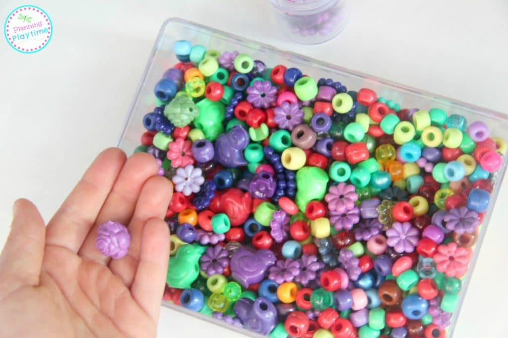 Random Beads Color Sorting Activity for kids, and other fun sort ideas.