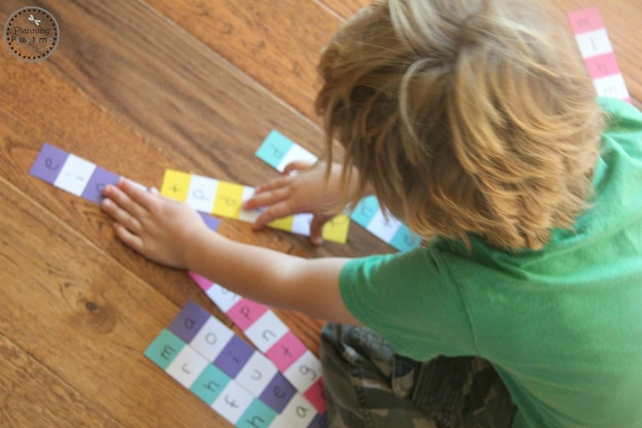 Paint Chip Reading Puzzles for kindergarten. So Fun!!