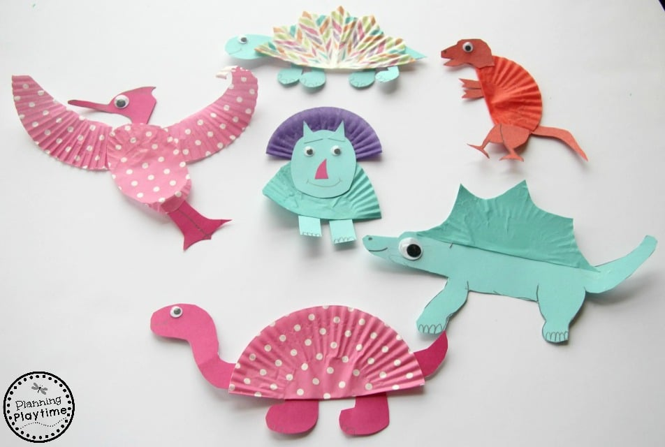 Cupcake Liner Dinosaur Crafts for kids. So fun!