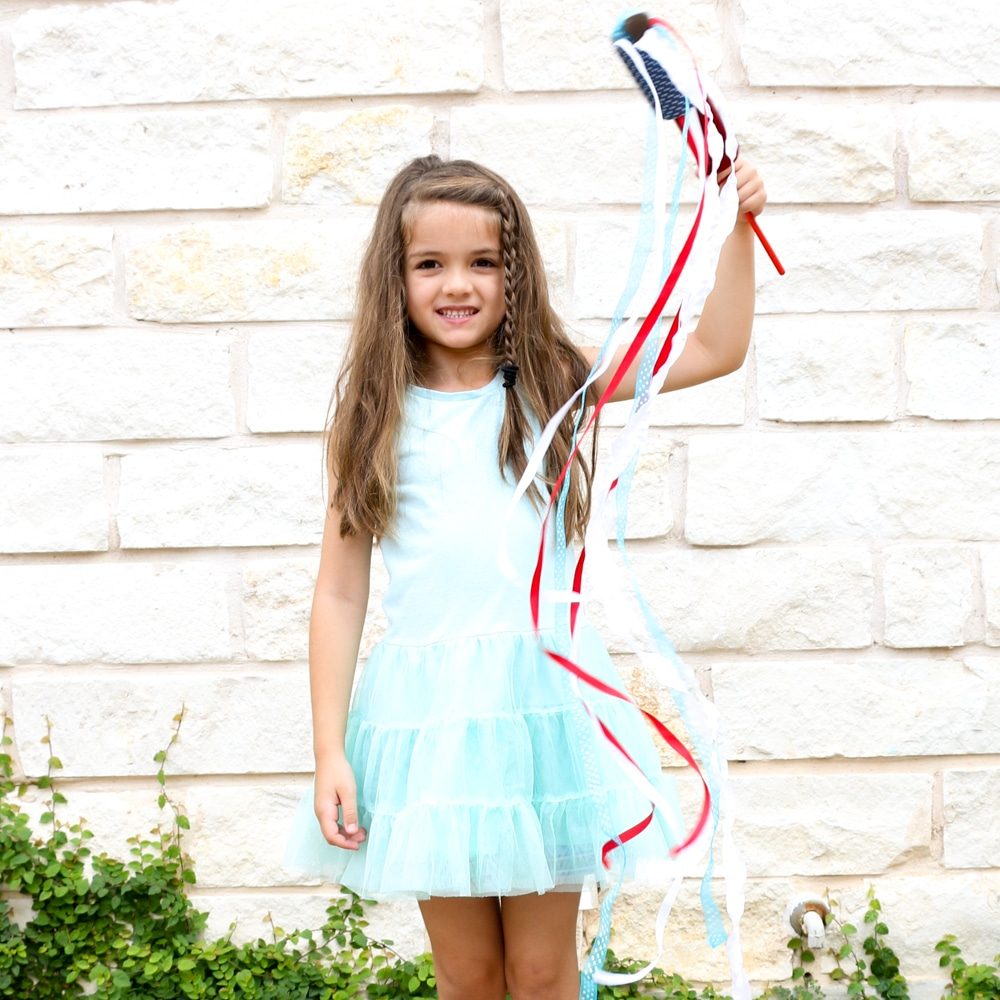 DIY Patriotic Ribbon Wands - Fun 4th of July Craft for kids.