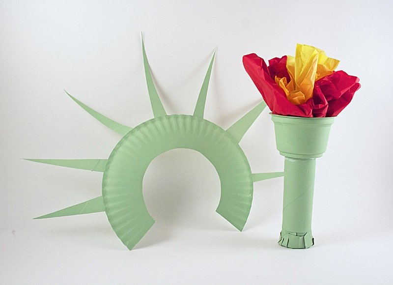 Statue of Liberty Craft and other fun 4th of July Crafts for Kids.
