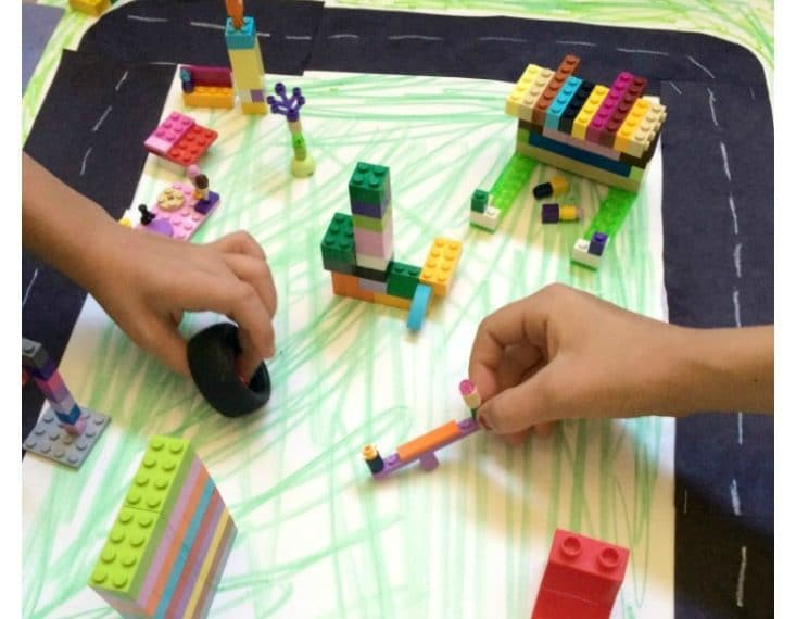 Build your own Lego City activity.
