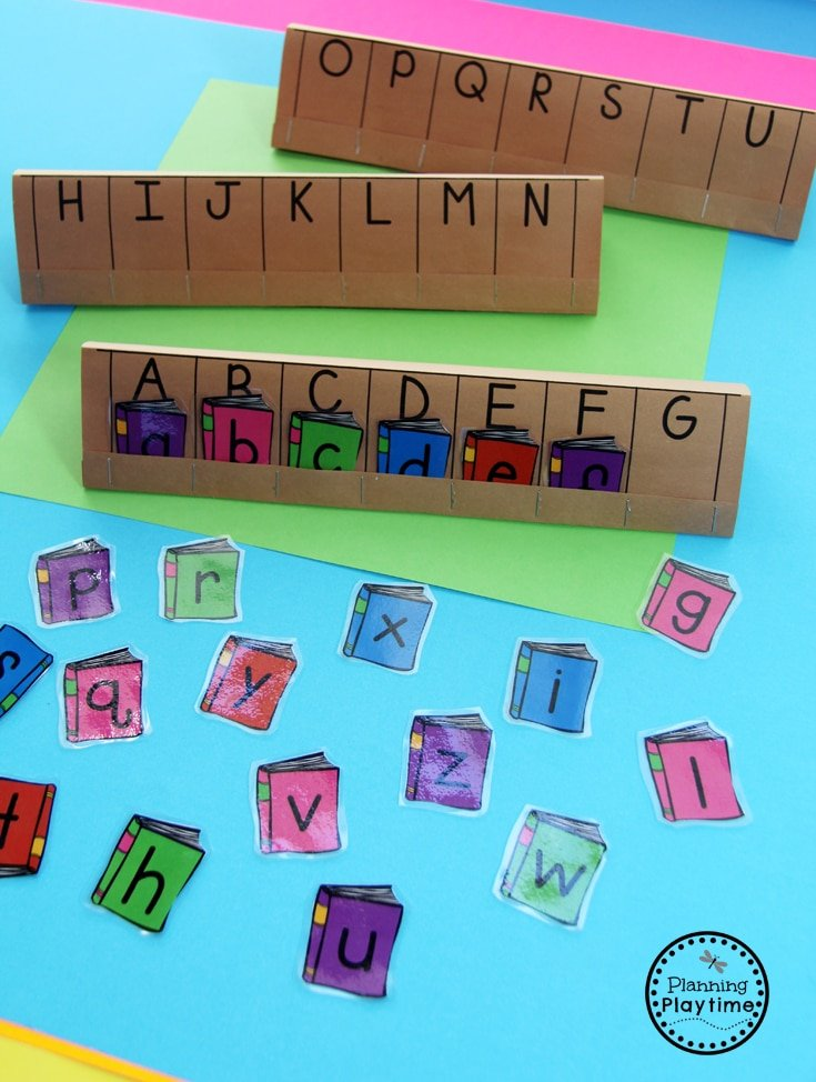 Community Helpers - Alphabetical Order Librarian Activity