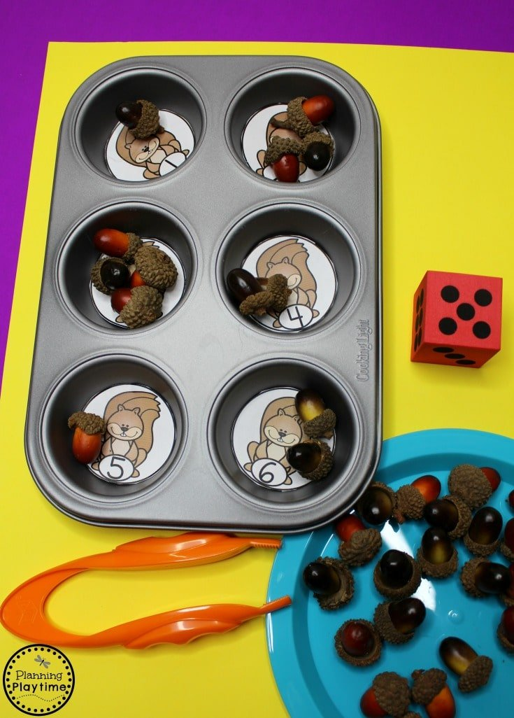 Acorn Counting Activity for Preschool - Roll and Count Fall Preschool Centers.