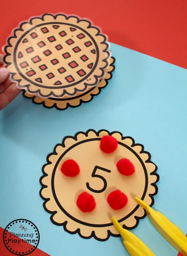 Apple Pie Counting Activity and other Fun Preschool Activities for Thanksgiving.