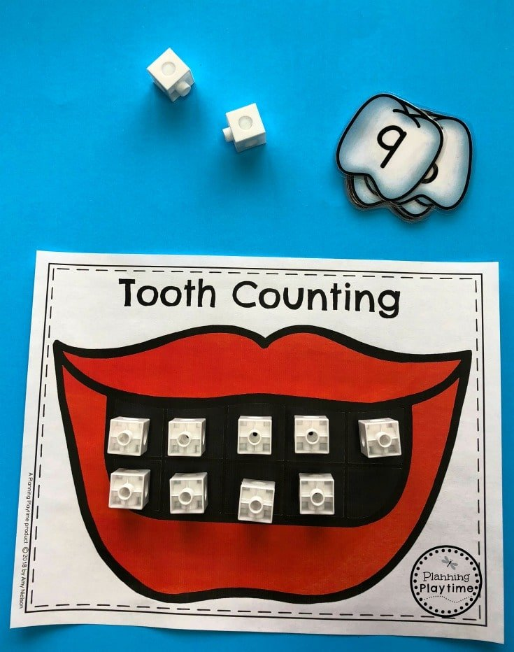 Dental Health Game for Preschool - Snap Cube Teeth Counting #dentalhealth #preschool #preschoolworksheets #preschoolcenters