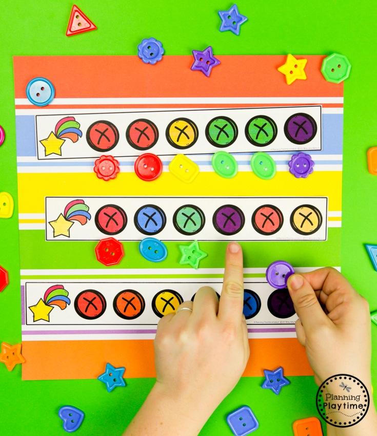 Rainbow Activities for Preschool - Color Patterns #planningplaytime #preschoolactivities #rainbows #preschoolprintables #playbased #preschoolworksheets