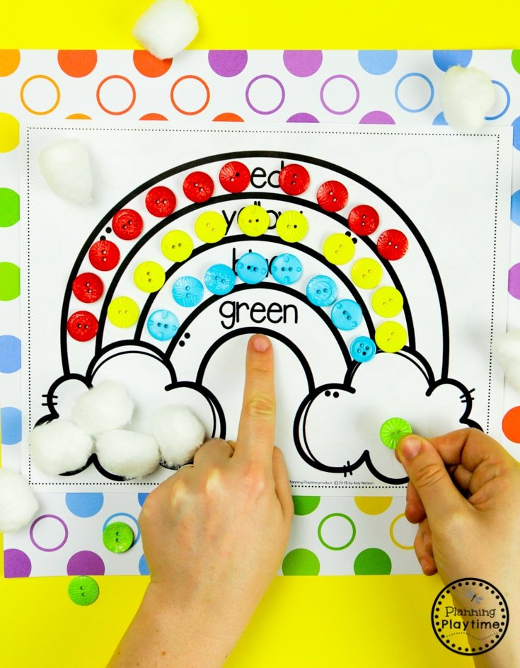 Rainbow Craft for Preschool - Color Sorting #planningplaytime #preschoolactivities #rainbows #preschoolprintables #playbased #preschoolworksheets #rainbowcrafts