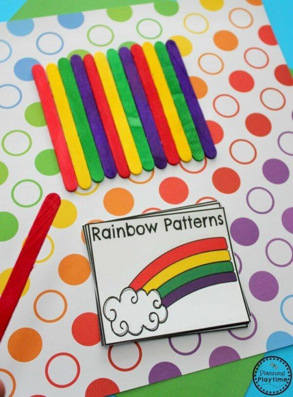 Rainbow Pattern Cards Activity for Preschool. #preschool #rainbow #preschoolpatterns #funlearning