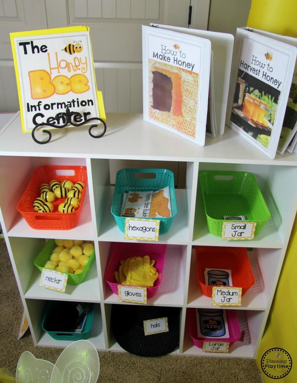 Bee Dramatic Play for Preschool #preschool #dramaticplay #dramaticplaycenter #preschoolideas #planningplaytime