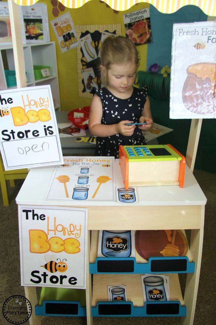Honey Bee Dramatic Play Center for Preschool - Honey Shop. #preschool #dramaticplay #dramaticplaycenter #preschoolideas #planningplaytime