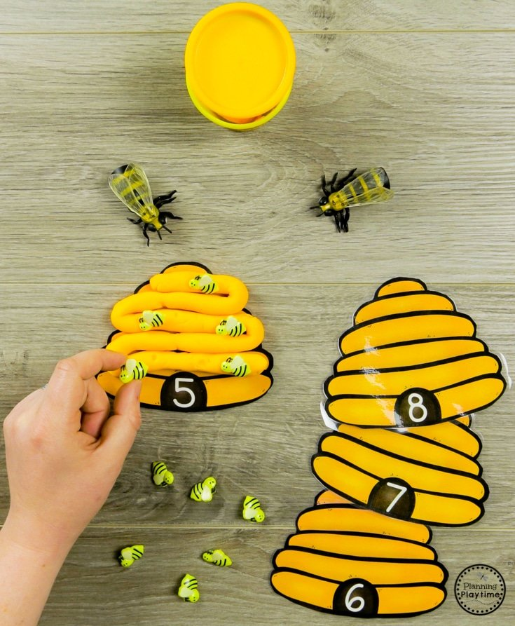 How Many Bees in the Hive Preschool Counting Activity for Spring #preschool #bugs #bugtheme #bugactivities #preschoolactivities #counting