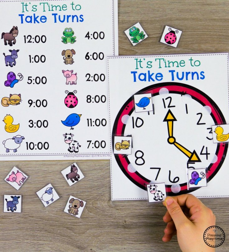 Telling Time Game - Taking Turns on the Hour #kindergartenmath #kindergarten #kindergartencenters #tellingtime