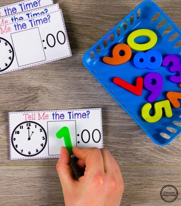 Time Telling Clocks - Kindergarten Math #kindergartenmath #kindergarten #kindergartencenters #tellingtime