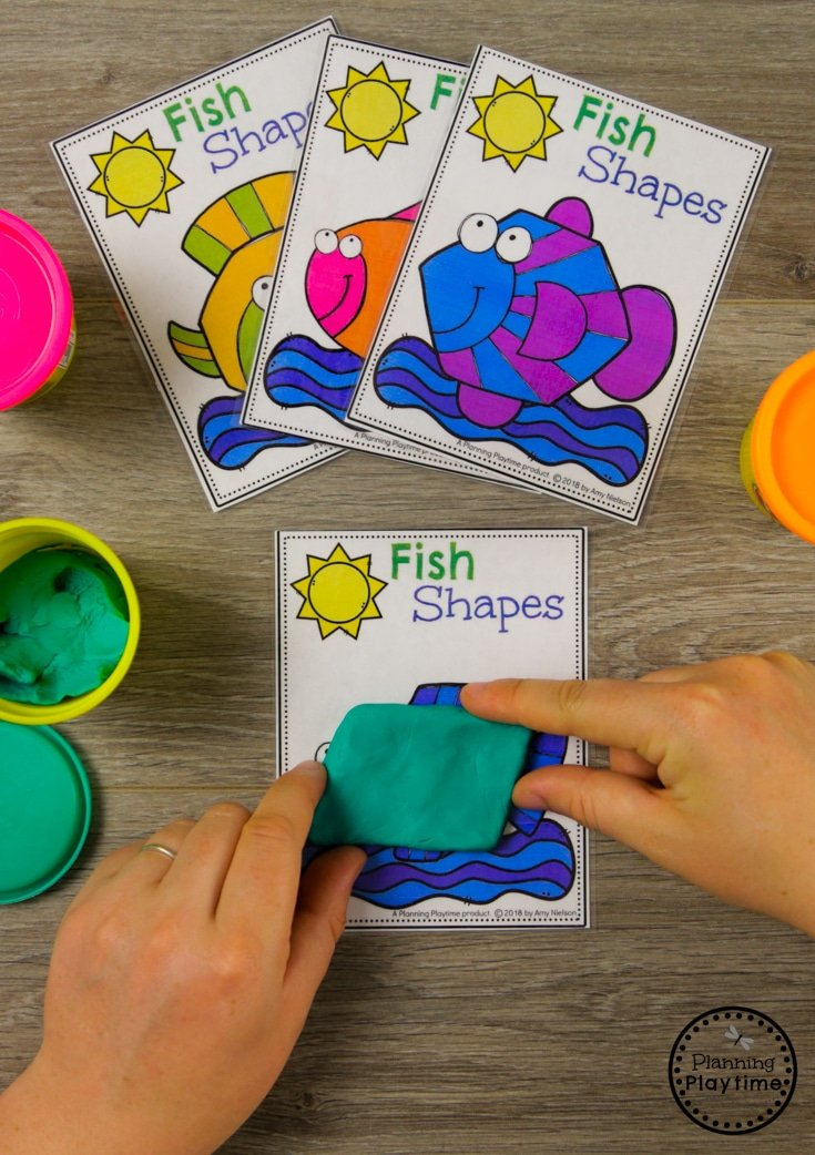 Fun Preschool Shapes Activity for an Ocean theme #shapes #preschool #oceantheme #preschoolactivities #preschoolcenters #planningplaytime