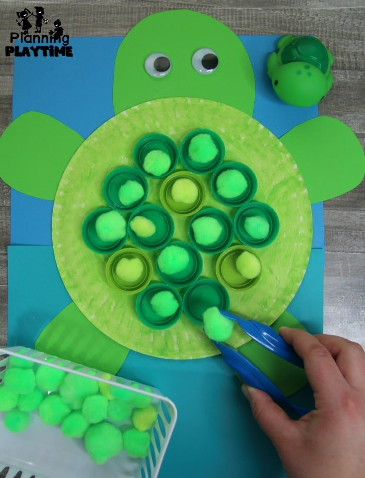 Preschool Ocean Theme Dramatic Play - Turtle Craft with Fine Motor Practice #preschool #dramaticplay #underthesea #oceantheme