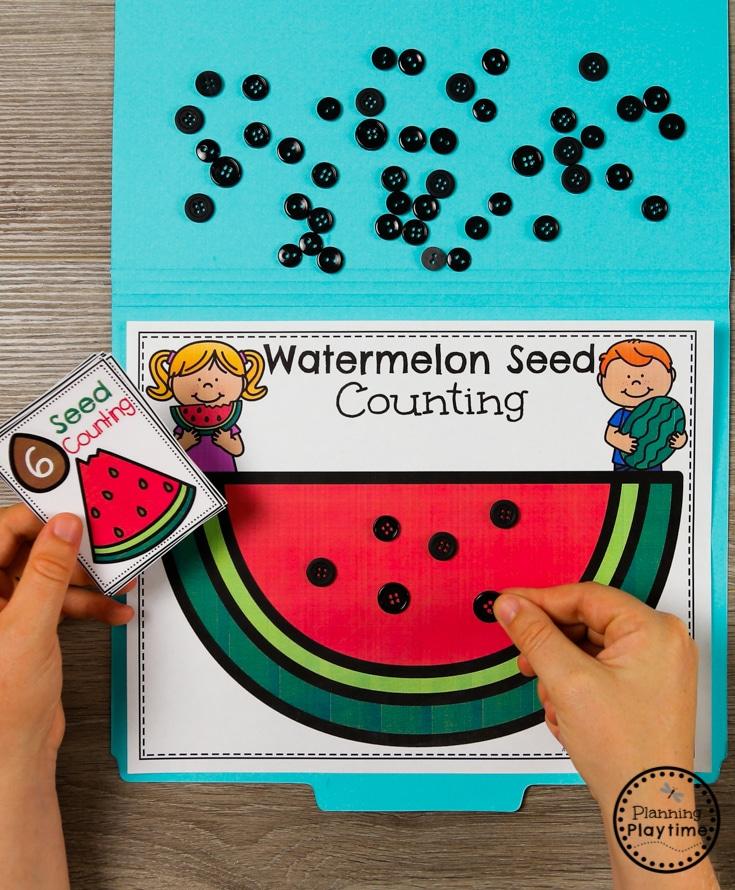 Preschool Watermelon Counting Game - Preschool Math for summer #preschool #summerpreschool #preschoolprintables #preschoolcenters #planningplaytime #counting