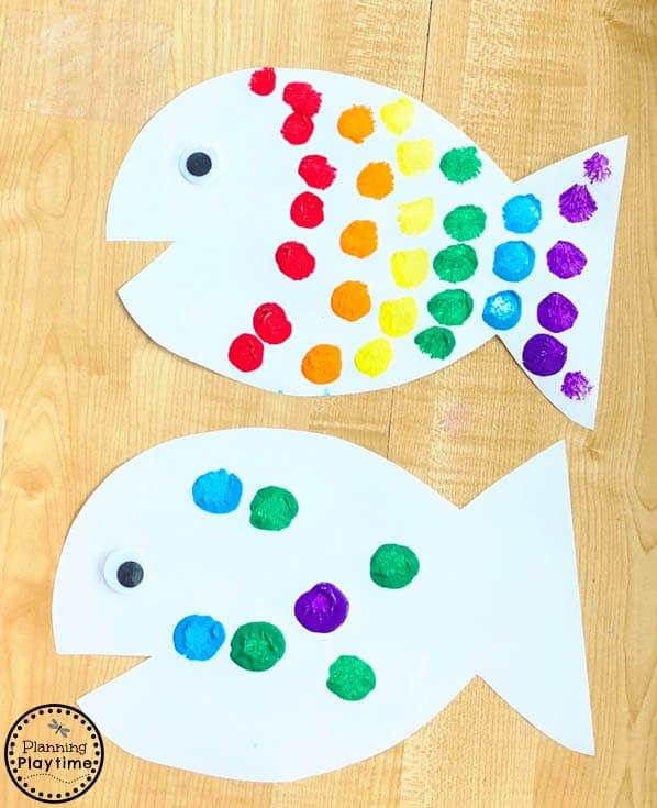 Rainbow Fish Craft for Kids - Preschool Art #rainbowfish #preschoolcraft #fishcraft #rainbowcraft