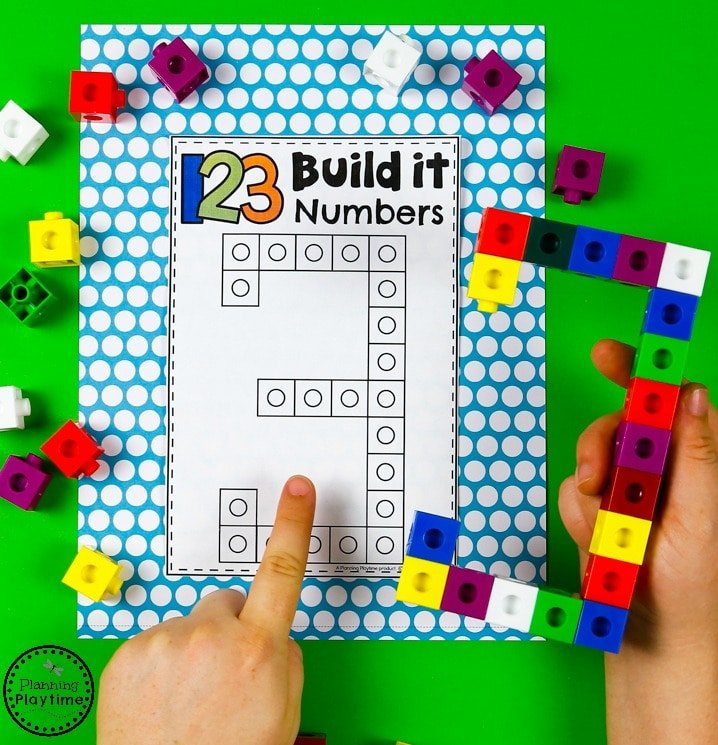 Building Numbers with cubes - Preschool Number Formation. So fun! #preschool #planningplaytime #preschoolmath