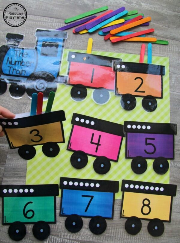 Train Pocket Counting - Preschool Transportation Math Game #preschool #transportationunit #planningplaytime #preschoolcounting