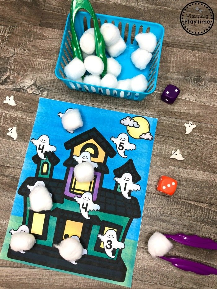 Halloween Math Games for Preschool - Roll and Cover Ghosts #halloweenworksheets #preschoolworksheets #planningplaytime