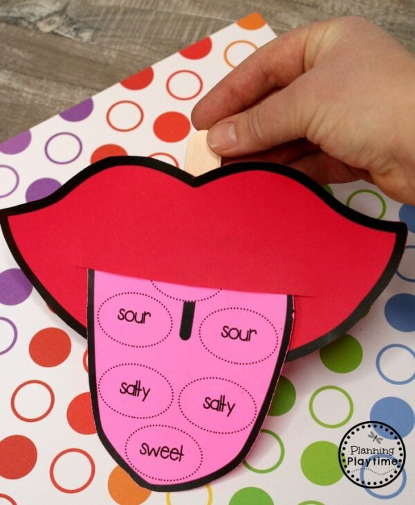 5 Senses Craft for Preschool - Sense of Taste #5senses #preschoolthemes #preschoolcenters #planningplaytime #preschoolcraft