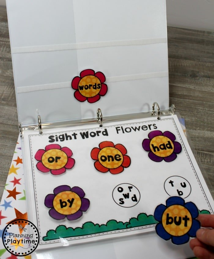 Kindergarten Sight Words Activities - Interactive Binder #planningplaytime #sightwords #kindergarten #kindergartenworksheets #literacycenters