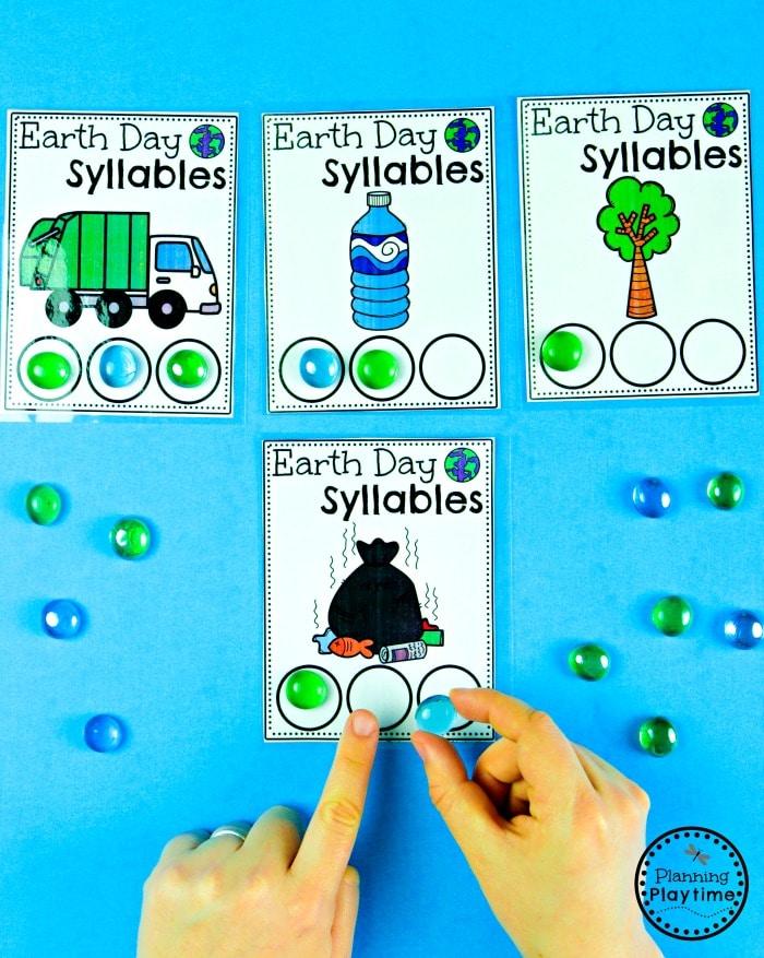 Preschool Earth Day Activities - Syllables Counting  #planningplaytime #earthday #preschool #preschoolworksheets