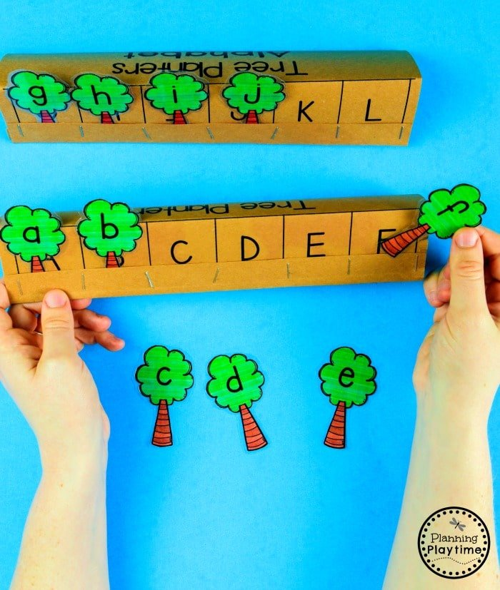 Preschool Letters Activity for an Earth Day theme  #planningplaytime #earthday #preschool #preschoolworksheets