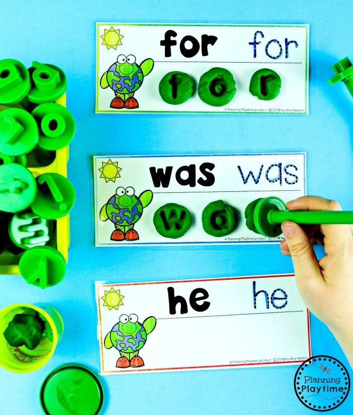 Sight Words Activity for Kids - Earth Day Theme #planningplaytime #earthday #preschool #preschoolworksheets