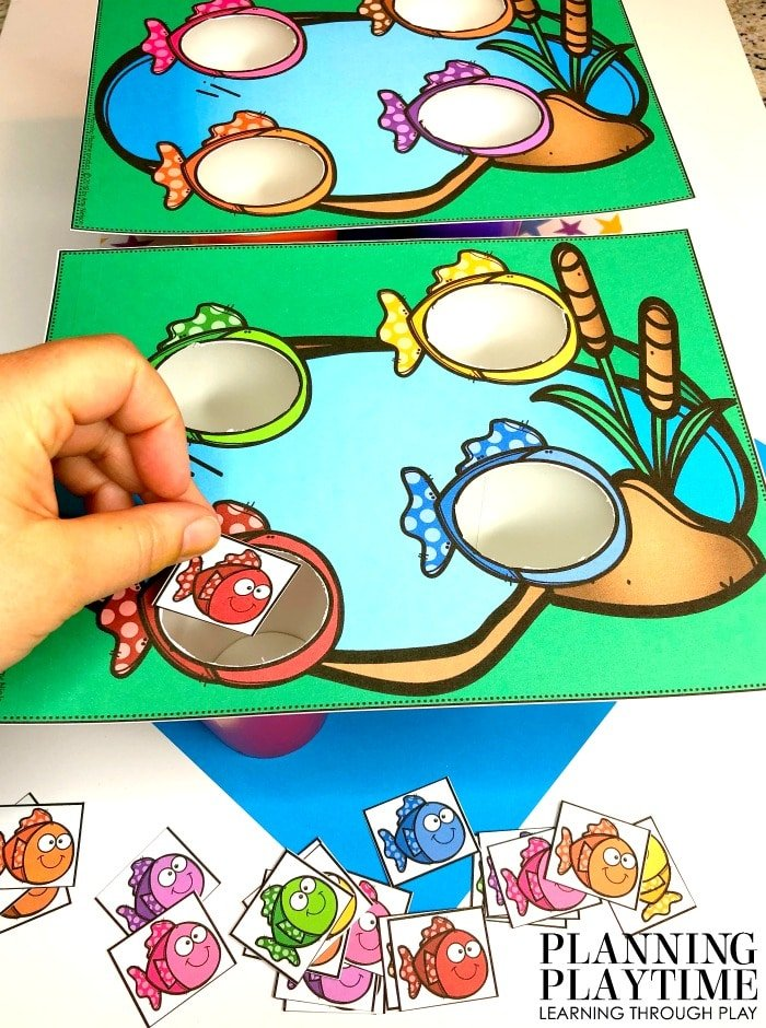 Preschool Activities Colors - Sort By Color Fish Pond Theme Activity #preschool #preschoolworksheets #pondtheme #planningplaytime #colorsorting